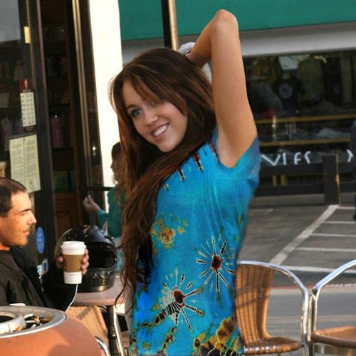 Miley Cyrus in tie-dye by JustZen